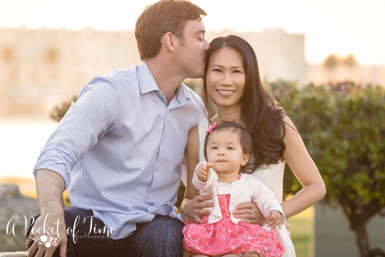 Outdoor family photo in Marina Del Rey with baby girl by A Pocket of Time Photography